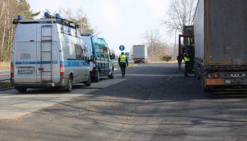 Wspólne działania policji i funkcjonariuszy Inspekcji Transportu Drogowego. | fot.: KPP Zgorzelec
