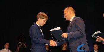 Najlepsi uczniowie odebrali stypendia i nagrody burmistrza cz. 1 - zdjęcie nr 65