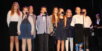Najlepsi uczniowie odebrali stypendia i nagrody burmistrza cz. 1 - zdjęcie nr 4