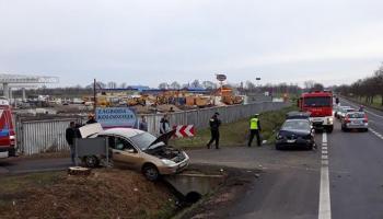 Kolizja przy ul. Słowiańskiej w Zgorzelcu. Kierowca BMW nie ustąpił pierwszeństwa przejazdu prawidłowo jadącemu kierowcy Forda.