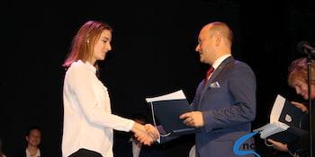 Najlepsi uczniowie odebrali stypendia i nagrody burmistrza cz. 1 - zdjęcie nr 39