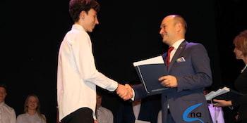 Najlepsi uczniowie odebrali stypendia i nagrody burmistrza cz. 1 - zdjęcie nr 44