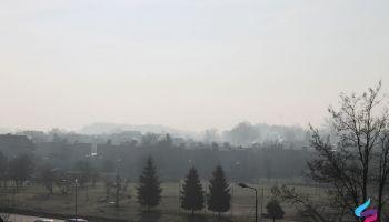 Wprowadzenie alertu poziomu I nie oznacza, że przez cały rok będziemy narażeni na wysokie stężenia zanieczyszczeń.