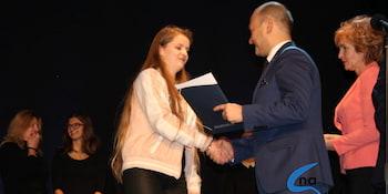 Najlepsi uczniowie odebrali stypendia i nagrody burmistrza cz. 1 - zdjęcie nr 96