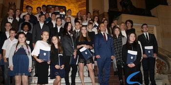 Najlepsi uczniowie odebrali stypendia i nagrody burmistrza cz. 1 - zdjęcie nr 48
