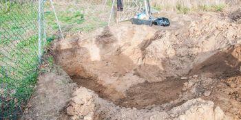 Ekshumacja szczątków niemieckiego żołnierza w Zawidowie (fot. Jerzy Stankiewicz) - zdjęcie nr 4