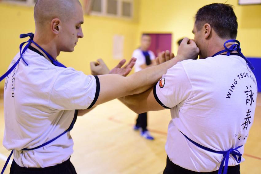 Treningi odbywają się w każdą sobotę o godzinie 14.00 w Szkole Podstawowej nr 3 w Zgorzelcu.