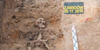 Ekshumacja szczątków niemieckiego żołnierza w Zawidowie (fot. Jerzy Stankiewicz) - zdjęcie nr 1