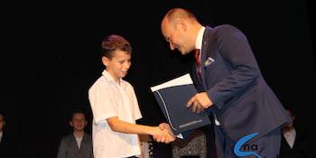 Najlepsi uczniowie odebrali stypendia i nagrody burmistrza cz. 1 - zdjęcie nr 22