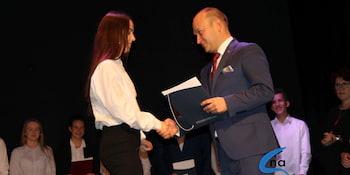 Najlepsi uczniowie odebrali stypendia i nagrody burmistrza cz. 1 - zdjęcie nr 46