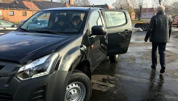 1.12 Starostwo Powiatowe w Zgorzelcu odebrało nowy samochód   materiały prasowe starostwa