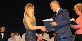 Najlepsi uczniowie odebrali stypendia i nagrody burmistrza cz. 1 - zdjęcie nr 89