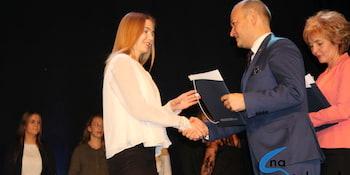 Najlepsi uczniowie odebrali stypendia i nagrody burmistrza cz. 1 - zdjęcie nr 103