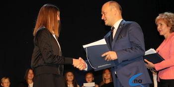Najlepsi uczniowie odebrali stypendia i nagrody burmistrza cz. 1 - zdjęcie nr 72