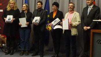 Nagrodę w Hradku w imieniu MDK odebrali Barbara Szutenbach i Mariusz Tokarczyk