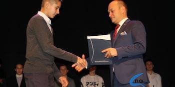Najlepsi uczniowie odebrali stypendia i nagrody burmistrza cz. 1 - zdjęcie nr 27