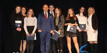 Najlepsi uczniowie odebrali stypendia i nagrody burmistrza cz. 1 - zdjęcie nr 38