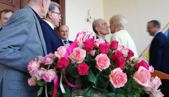 Jej się te róże po prostu należały...