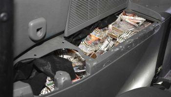 Samochód napakowany nielegalnymi papierosami [ZDJĘCIA]