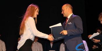 Najlepsi uczniowie odebrali stypendia i nagrody burmistrza cz. 1 - zdjęcie nr 43