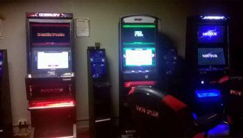 Nielegalne automaty do gier hazardowych zarekwirowane przez zgorzeleckich policjantów / fot. KPP Zgorzelec