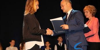 Najlepsi uczniowie odebrali stypendia i nagrody burmistrza cz. 1 - zdjęcie nr 80