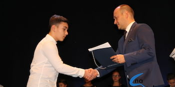 Najlepsi uczniowie odebrali stypendia i nagrody burmistrza cz. 1 - zdjęcie nr 63