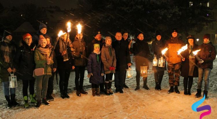 Harcerze przekazali Betlejemskie Światło Pokoju - zdjęcie nr 13