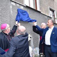 Przy ul. Czachowskiego w Zgorzelcu odsłonięto tablicę pamiątkową poświęconą ks. Franzowi Scholzowi