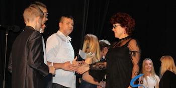 Najlepsi uczniowie odebrali stypendia i nagrody burmistrza cz. 1 - zdjęcie nr 92