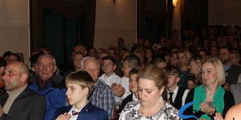 Najlepsi uczniowie odebrali stypendia i nagrody burmistrza cz. 1 - zdjęcie nr 49