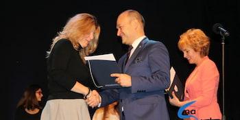 Najlepsi uczniowie odebrali stypendia i nagrody burmistrza cz. 1 - zdjęcie nr 97