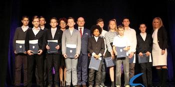 Najlepsi uczniowie odebrali stypendia i nagrody burmistrza cz. 1 - zdjęcie nr 28