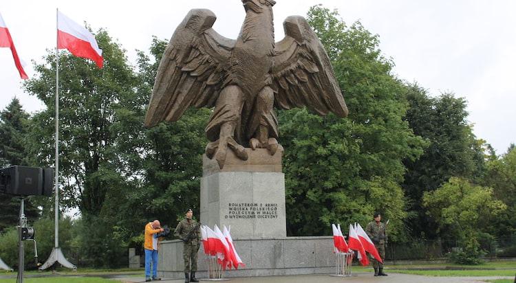 Pomnik Orła Piastowskiego w Zgorzelcu