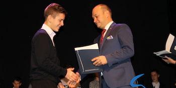 Najlepsi uczniowie odebrali stypendia i nagrody burmistrza cz. 1 - zdjęcie nr 25