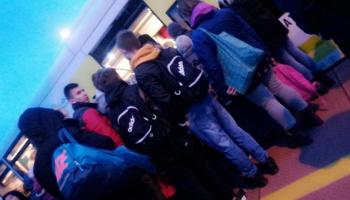 Rano 20 listopada znów nie wszyscy zmieścili się do zbyt małego pociągu