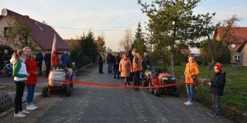 Mieszkańcy Radzimowa Górnego uroczyście otworzyli drogę - zdjęcie nr 13