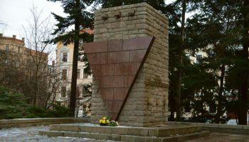 Pomnik w Görlitz od 1948 roku upamiętnia ofiary narodowego socjalizmu