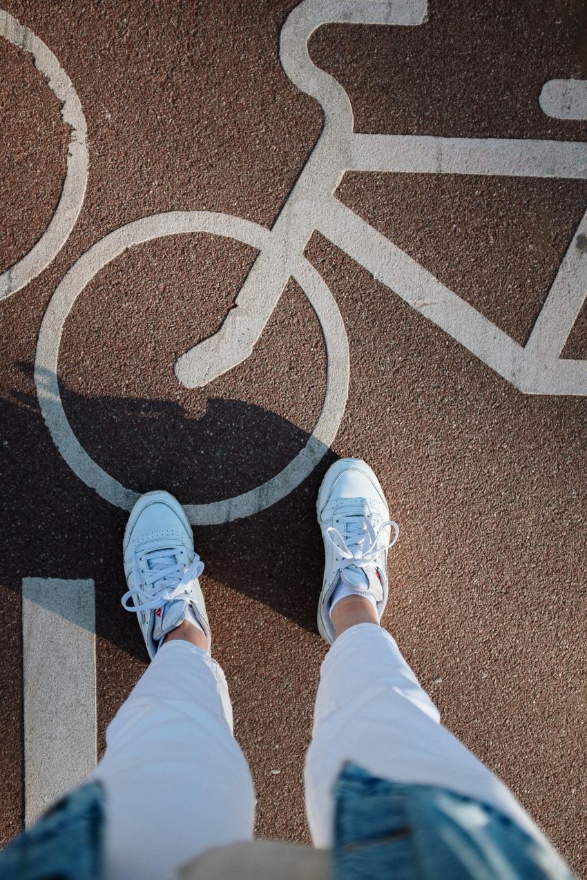 Ścieżka rowerowa / zdjęcie ilustracyjne / fot. cottonbro / pexels.com