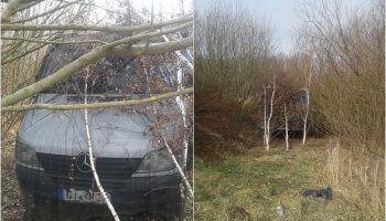 Samochód dostawczy ukryty za drzewami / fot. KPP Zgorzelec