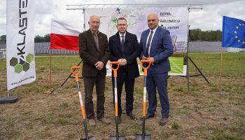 Oficjalnego otwarcia dokonali: Wiceminister Energii Krzysztof Kubów, Starosta Zgorzelecki Artur Bieliński oraz Prezes ZKlastra.