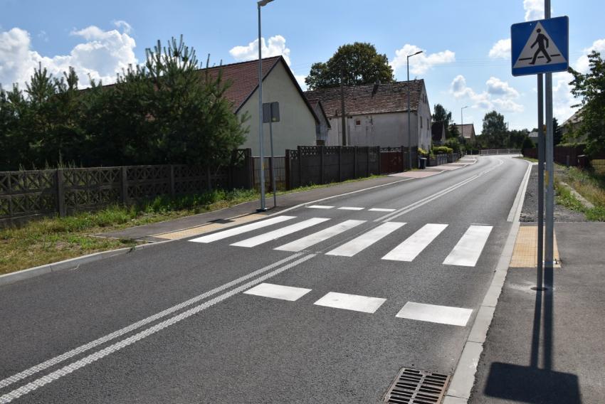 Zakończyła się budowa chodnika w Jędrzychowicach - zdjęcie nr 4