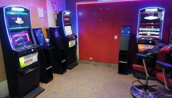 Zarekwirowane przez zgorzeleckich policjantów nielegalne automaty do gier hazardowych / fot. KPP Zgorzelec