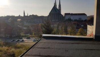 Dach, z którego chciała skoczyć kobieta / fot. KPP Zgorzelec