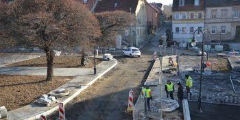 Przebudowa rynku w Zawidowie. Zobacz, jak przebiegają prace! - zdjęcie nr 8