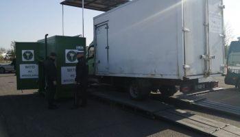Kontrolowany przez policję i inspekcję transportu drogowego pojazd / fot. KPP Zgorzelec