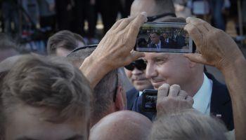 Prezydent Andrzej Duda miał się w Zgorzelcu czuć dobrze i czuł się dobrze. I nikt, i nic mu w tym nie przeszkodziło.