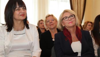 Dorota Chitruń (z lewej) to radna z ramienia PiS i dyrektor LO w Zgorzelcu/ fot. lo.zgorzelec.org