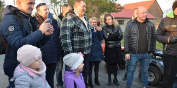 Mieszkańcy Radzimowa Górnego uroczyście otworzyli drogę - zdjęcie nr 10