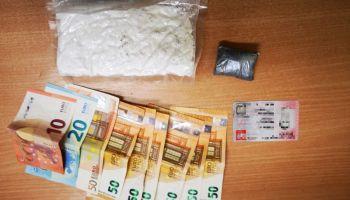Ujawnione przez policjantów narkotyki, pieniądze i dowód tożsamości / fot. KPP Zgorzelec